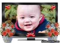Televisão com corações e flores