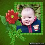Cartão verde com laço e flores
