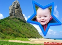 Pico de rocha na praia